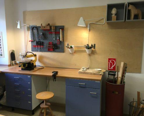 Werkstatt für Holz, Ton, Filz, Stoff und Peddigrohr-Arbeiten